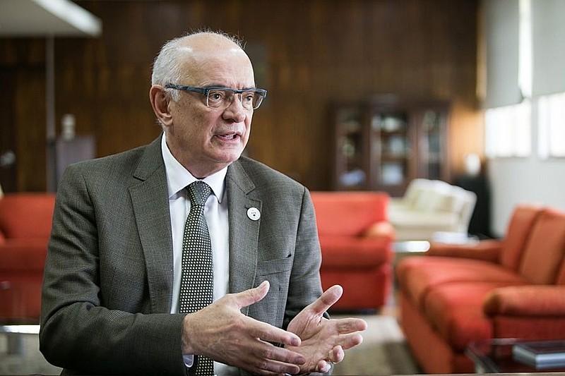 Reitor da UFRGS, Rui Vicente Oppermann, explicou como o bloqueio do MEC atinge a universidade