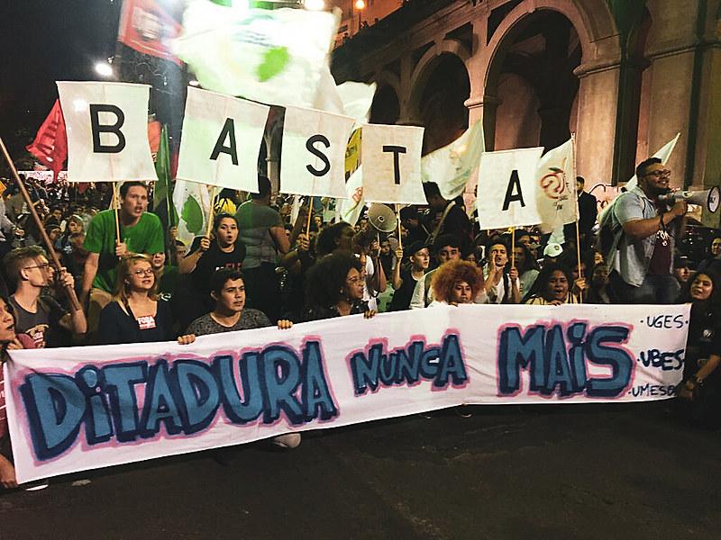 Há uma contra toda a diversidade brasileira, tentando a todo custo pregar uma política de apagamento e de reescrita da história