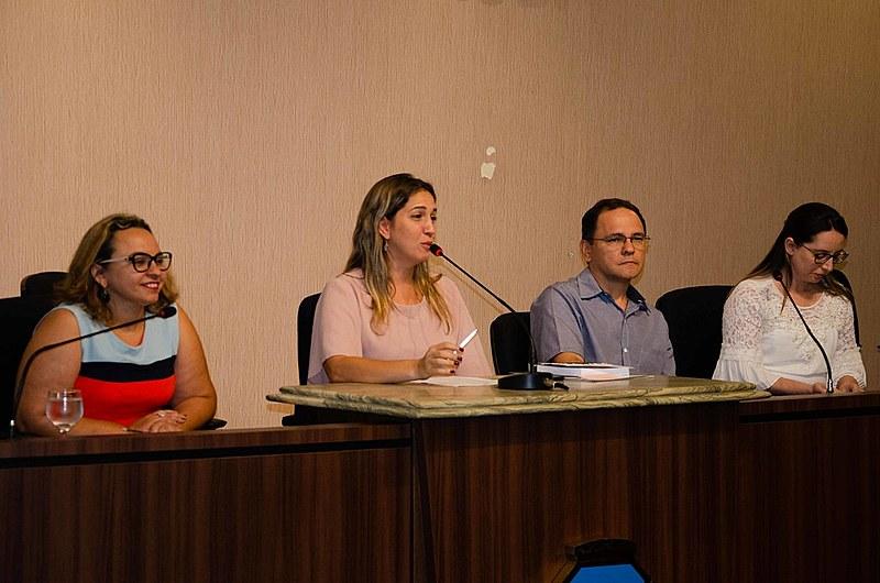 Especialistas no tema se reuniram na Câmara de Vereadores de Fortaleza para debater os 40 anos da Lei de Anistia