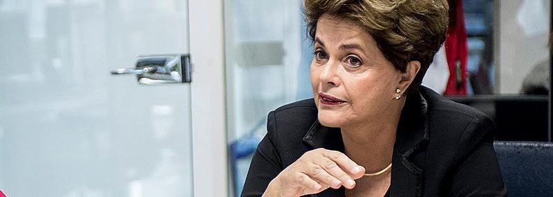 """O primeiro golpe foi o meu impeachment. O segundo é impedir que Lula seja candidato"", declarou"