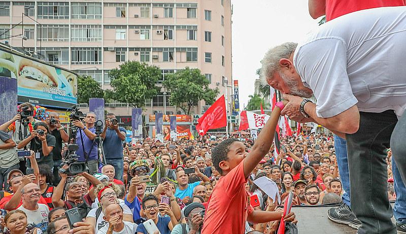 Ex-presidente Lula em visita a Nova Iguaçu, no Rio de Janeiro