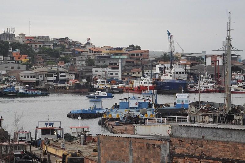 Além da dragagem do canal São Lourenço, o projeto prevê a criação de programas de qualificação técnica para o setor