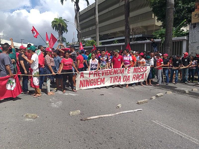 As mobilizações são parte das denúncias do movimento contra o desmonte na política da reforma agrária no país
