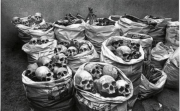 Restos mortais de pessoas atingidas pelo desastre de Bhopal