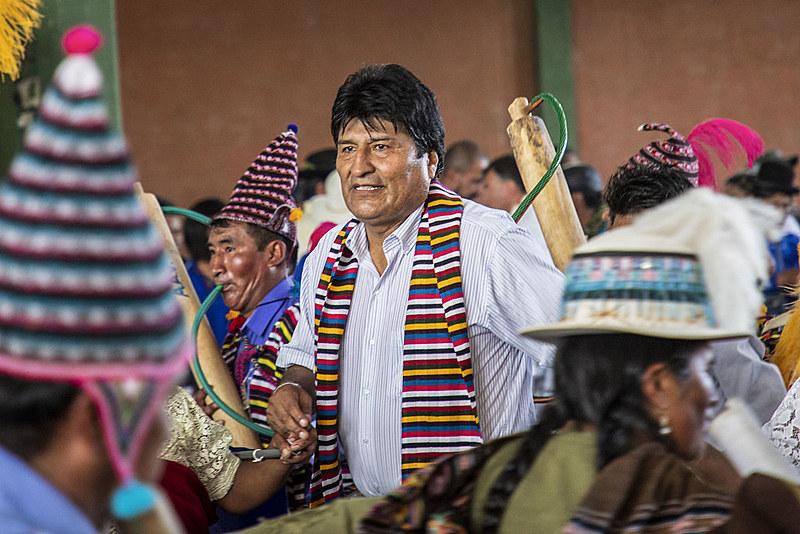 Evo Morales iniciou o processo de transformação na Bolívia quando assumiu o governo em 2005