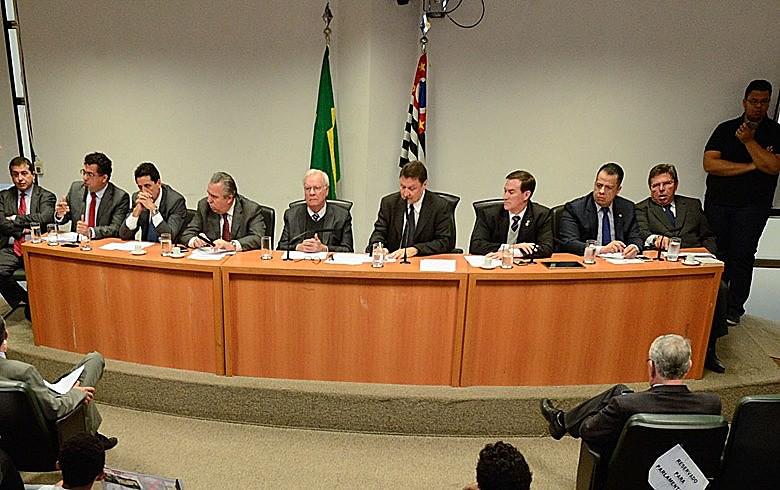 Dos nove deputados que compõem a comissão, oito são aliados de Alckmin e detêm todos os cargos de coordenação