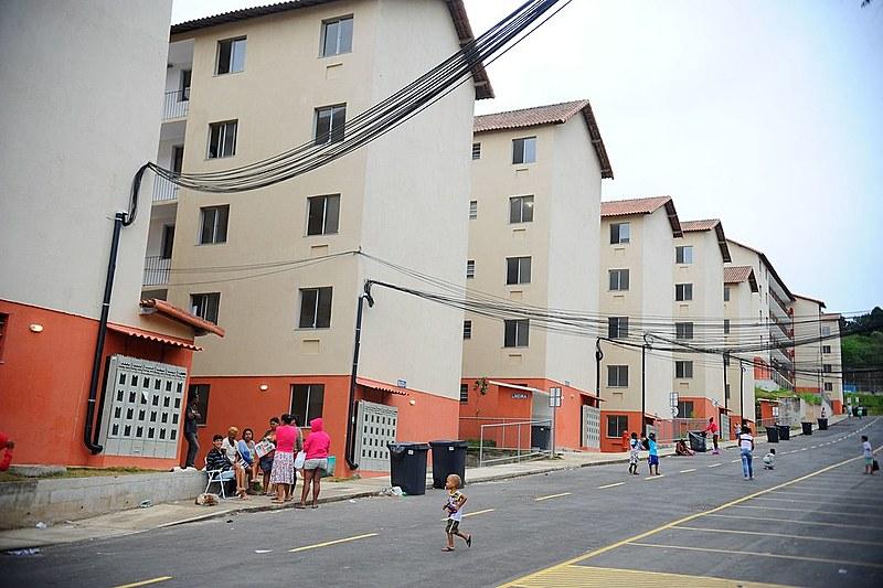 Inicialmente, a meta era a construção de um milhão de moradias. Até 2016, quase três milhões já haviam sido entregues