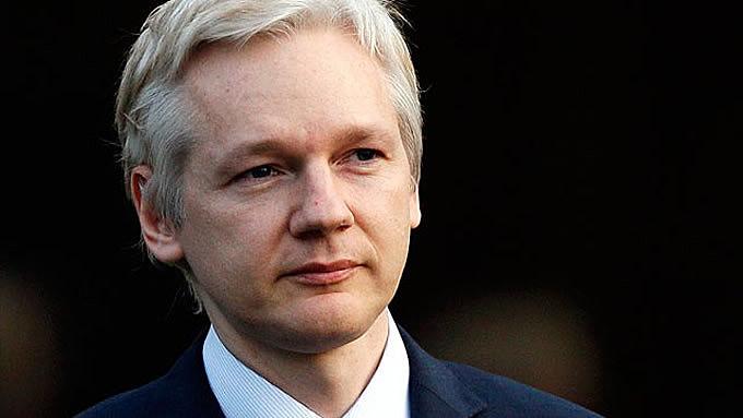 """Assange também agradeceu """"ao Equador e a seu povo"""" por ter estado ao seu lado """"suportando uma pressão asfixiante"""""""