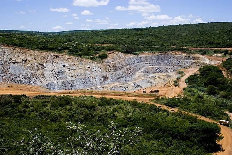 Mina de Caetité, na Bahia: a maior do país