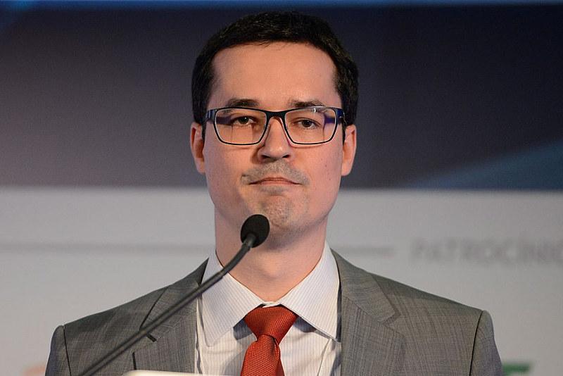 Procurador da Lava Jato, Deltan Dallagnol, fez pressão para busca e apreensão contra coordenador da campanha de Fernando Haddad (PT)