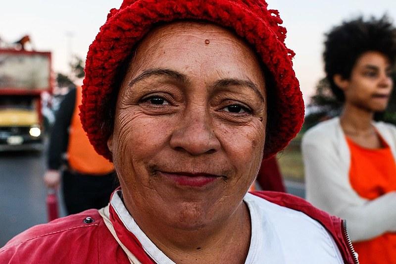 """""""Desta vez estamos dando conta de tudo, não precisamos encaminhar ninguém ainda para os hospitais"""", explica Maria, do setor de Saúde do MST"""