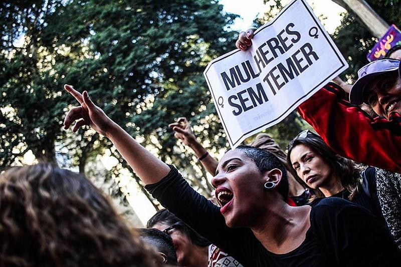 Elas pedem a saída do presidente Temer, a derrubada das reformas e o fim das violências contra a mulher