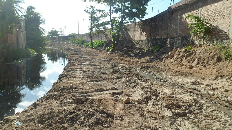 Parte do Rio Jaguaribe foi aterrado pela expansão do shopping Manaíra.