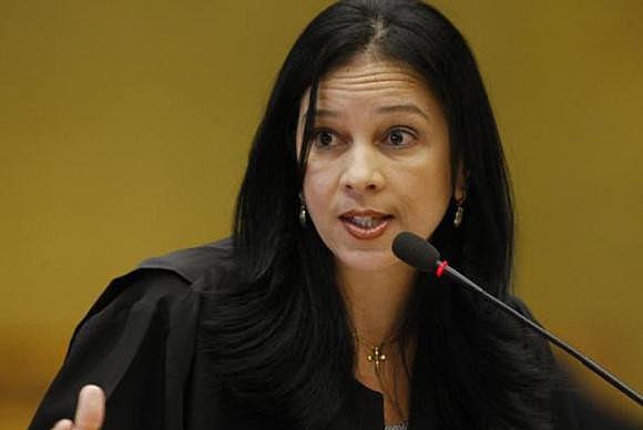 Grace foi secretária-geral do Contencioso (cargo que representa a União perante o STF) entre 2003 e 2016