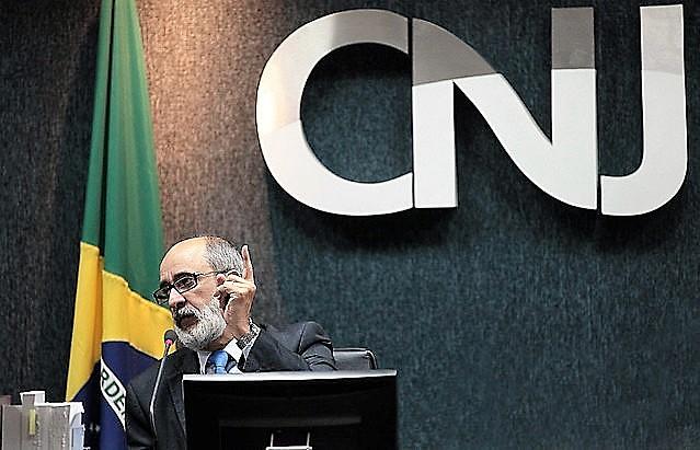 O corregedor Oswaldo Barbosa confirmou a ilegalidade, mas não levou o caso adiante