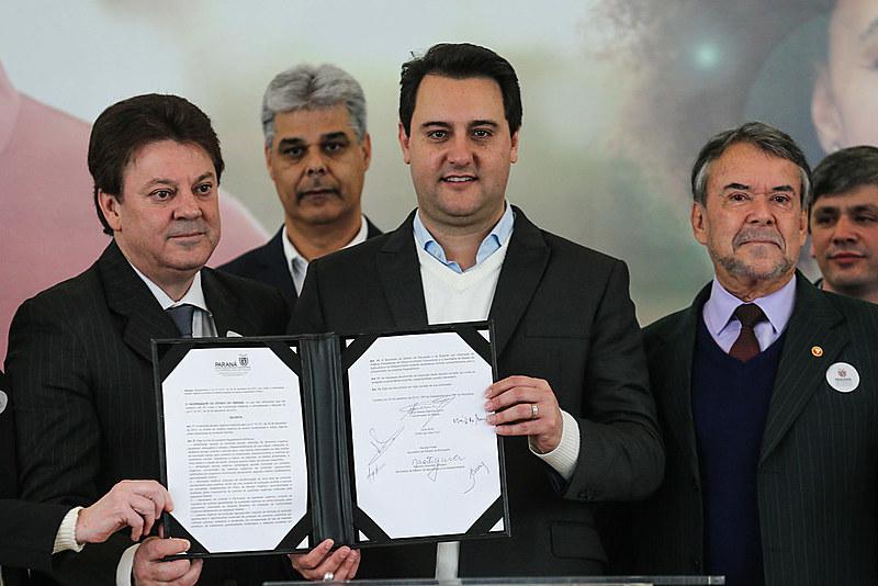 Apesar de cerimônia, decreto ainda não foi publicado em Diário Oficial