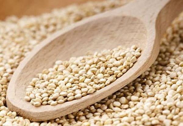 O grão produzido pela quinoa tem diversas propriedades benéficas à saúde humana