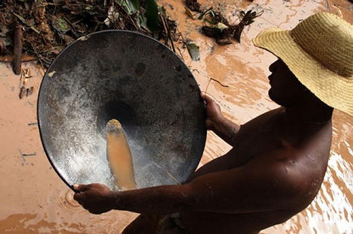 Após a canadense Belo Sun ter comprado os melhores lotes da região, a produção de Silva caiu drasticamente