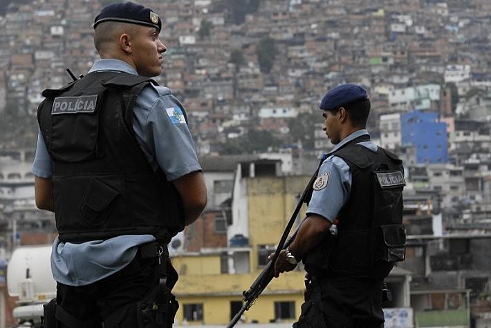 As operações policiais em favelas não reduziram o número de crimes e mortes no Rio de Janeiro, de acordo com dados do Ministério Público.