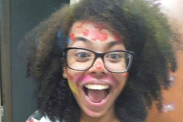 Bruna Sena, 17, comemora o 1º lugar em medicina da USP de Ribeirão, o mais concorrido da Fuvest