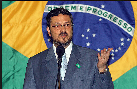 Antônio Palocci, ex-Ministro da Fazenda do governo Lula, foi condenado a 12 anos de prisão em junho de 2017