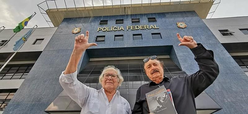 Todas as quintas-feiras, Lula recebe, em Curitiba (PR), a visita de amigos e companheiros de militância