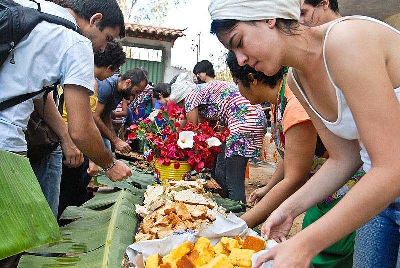 A iniciativa prevê a distribuição de mais de 15 mil refeições em todo o Brasil