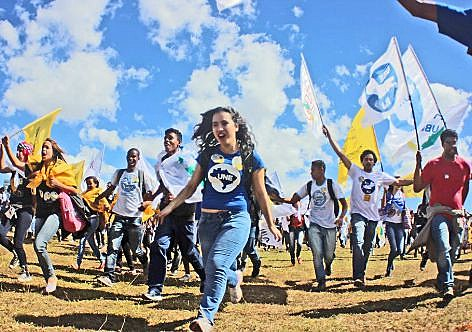 União Nacional dos Estudantes percorrerá as universidades do país numa caravana em defesa da educação pública