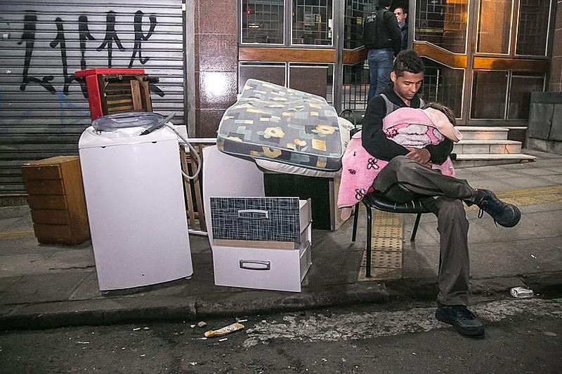 Cerca de 70 famílias foram despejadas em Porto Alegre na véspera do feriado de Corpus Christi