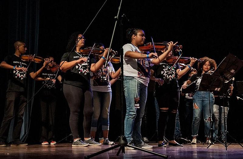 A Orquestra de Cordas da Grota, que atende mais de 300 jovens em Niterói, é uma das iniciativas que podem ser impactadas com o fim do MinC