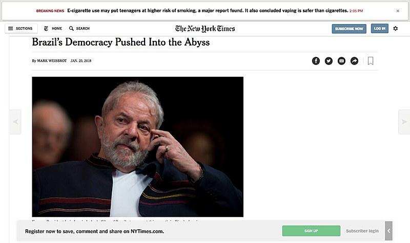 """""""Democracia brasileira empurrada para o abismo"""" diz título de artigo assinado pelo economista Mark Weisbrot"""