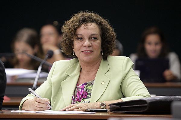 """Fátima já afirmou ser contra """"bandeiras contrárias aos valores bíblicos"""""""