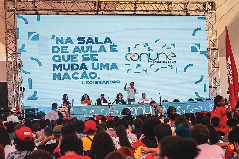 """""""80 tiros não dá mais"""" foi o tema do debate realizado no Centro Comunitário da Universidade de Brasília (UnB)"""