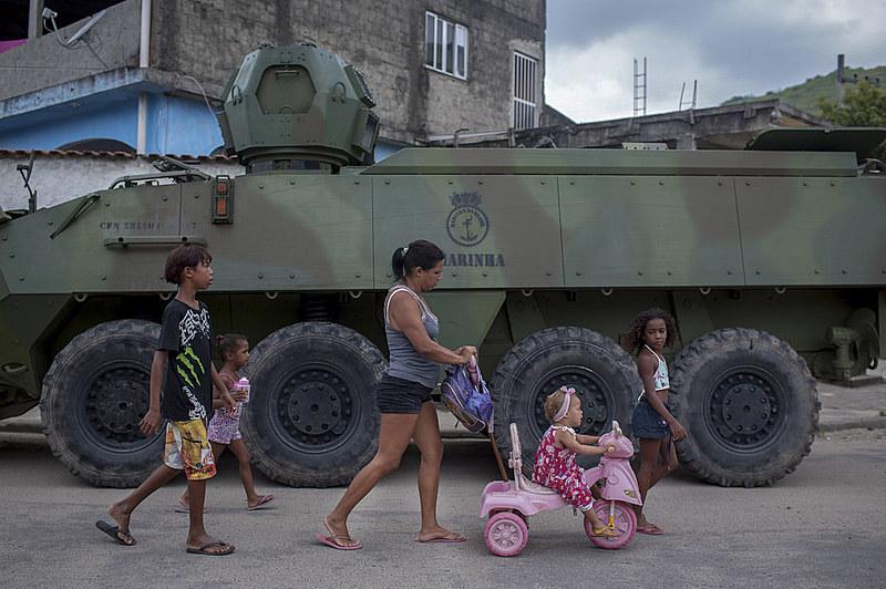 A intervenção militar no Rio de Janeiro segue até o dia 31 de dezembro sem perspectiva de renovação por parte do novo governo federal