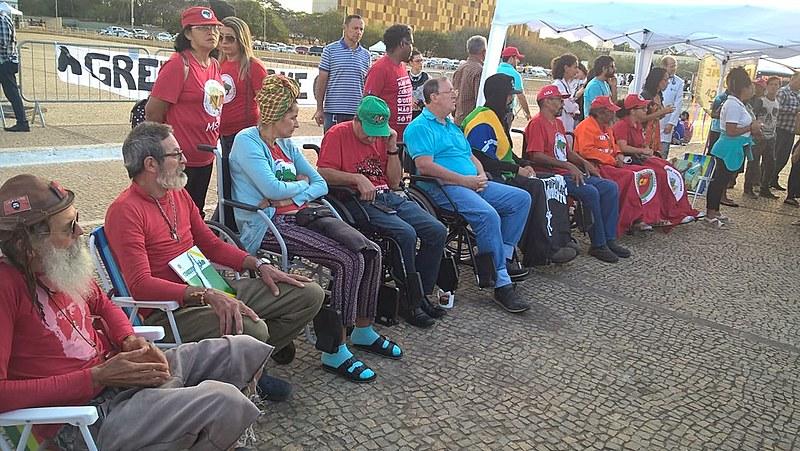 Os grevistas também protestam contra a volta intensa da fome no Brasil