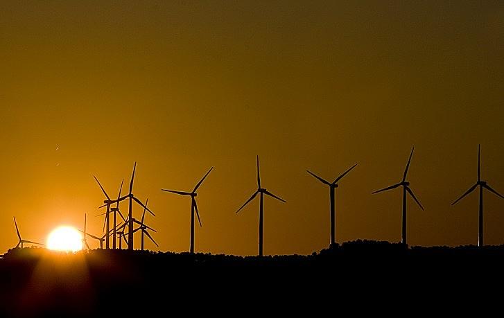 Rômulo tratou sobre os impactos do uso de energias não renováveis e sobre a BERSO, projeto desenvolvido no campus da UFPE
