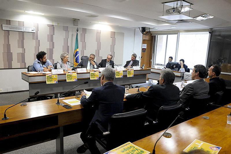 """Almagro reafirmou aos senadores brasileiros a posição da OEA de que a denúncia contra a presidente não apresenta """"qualquer juízo de indício de crimes de responsabilidade, quanto mais de certeza""""."""