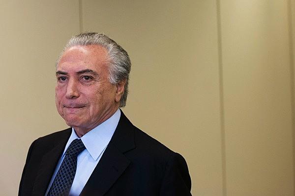 A extensão dos poderes que o vice terá, caso a presidenta Dilma Rousseff seja afastada, não são determinadas pela Constituição e pela Lei do Impeachment.