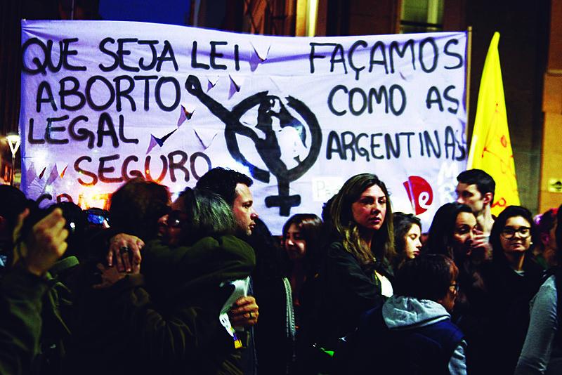 Frente Pela Legalização do Aborto RS realizou atos em Porto Alegre