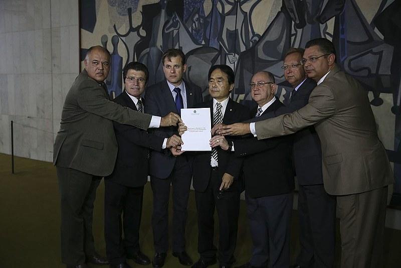 """Frente Parlamentar Evangélica no lançamento do manifesto """"O Brasil para os Brasileiros"""""""