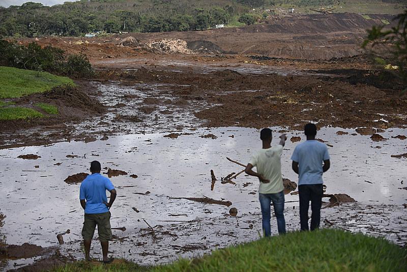 Três anos após o rompimento da barragem em Mariana (MG), nova tragédia deixa pelo menos 60 mortos e atinge 19 municípios mineiros