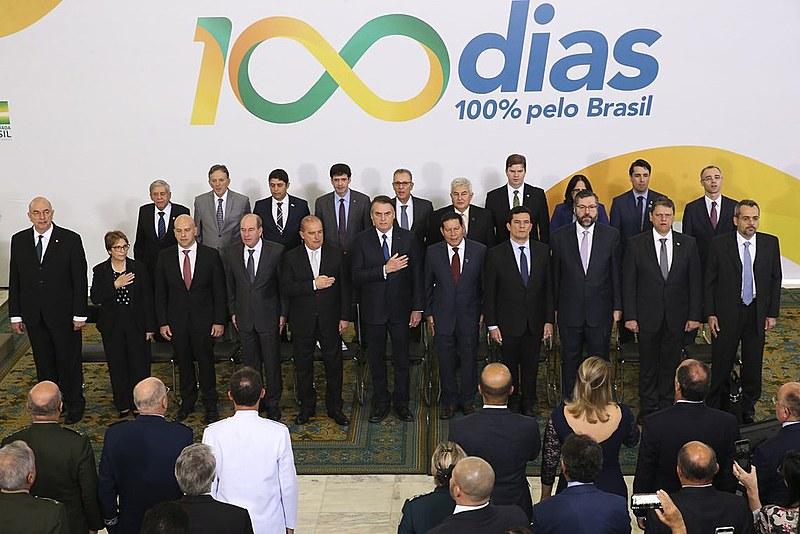 """""""A métrica das preocupações do Bolsonaro é o Twitter; ele não fez nenhum tuíte nesses 100 dias para a saúde"""", observa Padilha"""