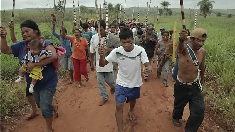 Imagem retrata cena do documentário Martírio