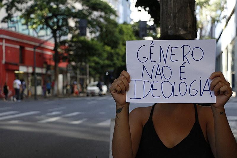 Essa não é uma batalha apenas das mulheres e da população LGBT. É umas das trincheiras que envolverá a resistência de todo o povo brasileiro