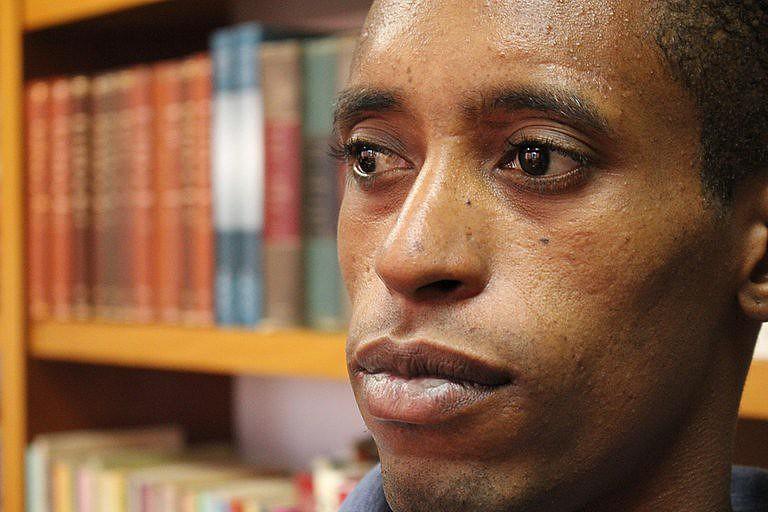 Rafael Braga vive uma verdadeira saga há exatamente três anos e dez meses, quando foi detido por portar um garrafa de Pinho Sol