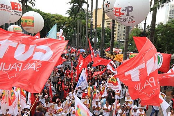 La jornada de paralización del viernes (11) en 19 estados brasileños convocó miles de personas en todo Brasil
