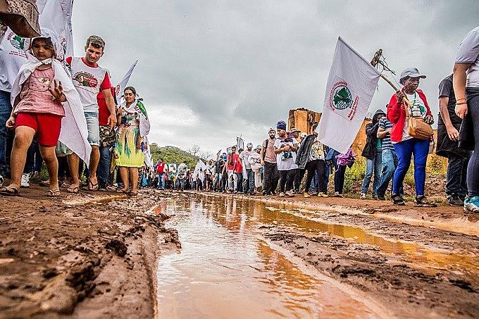 """O ato em Bento Rodrigues foi a última atividade da Jornada de """"1 ano de lama e luta"""""""