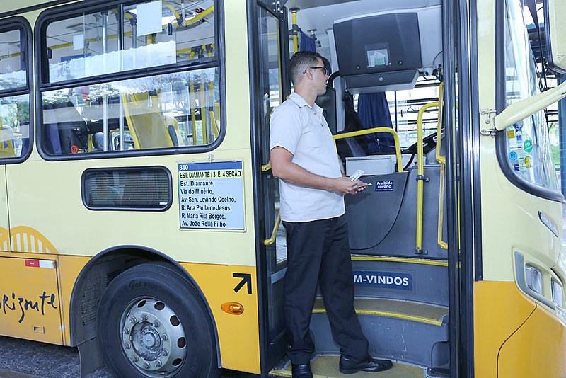 Mais de 3.500 trabalhadores do transporte perderam audição por causa do barulho dos ônibus