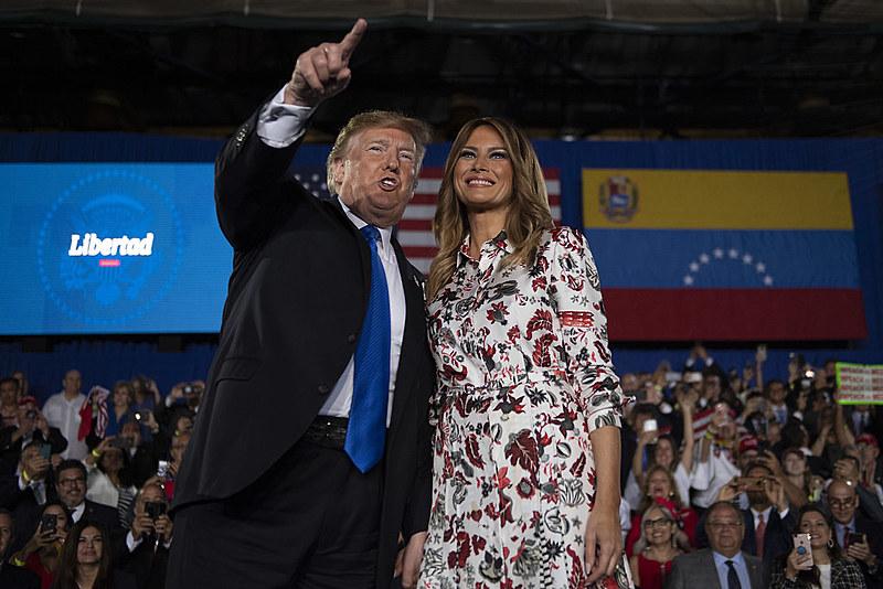 Presidente dos EUA, Donald Trump e a primeira-dama Melania Trump em ato em Miami com a comunidade venezuelana-estadunidense | 18/02/2019