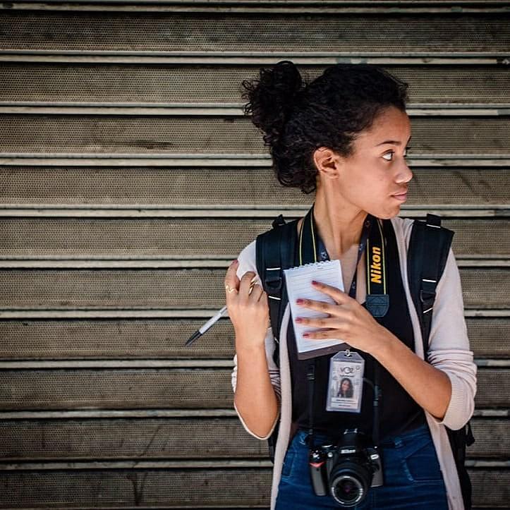 Caso mais grave foi o da agressão física sofrida por Gabi Coelho (foto acima), jornalista do Voz da Comunidade, no dia 10 de outubro